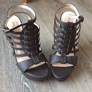Strappy open toed platform wedges